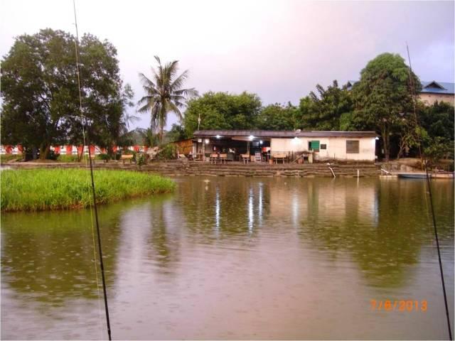 Tow Foo Pond in the rain (07.06.13) [r]