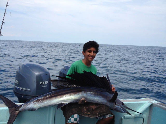 (3)_Abdullah with 2nd Sailfish [IK] (26.10.13) [ed]
