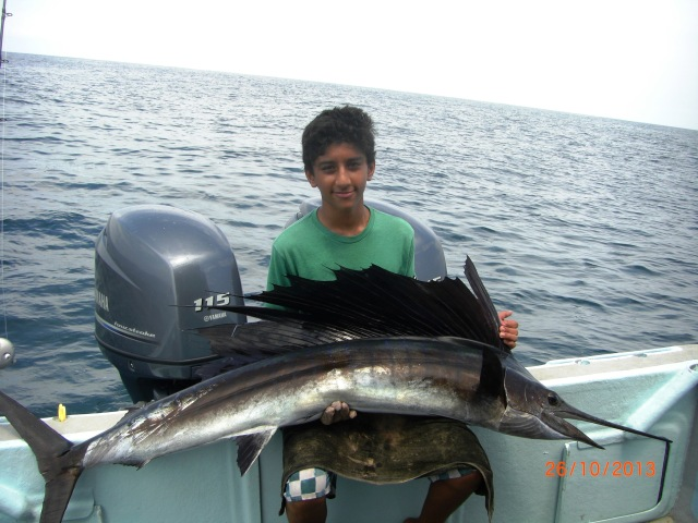 (5)_Abdullah with 2nd Sailfish (26.10.13) [ed]