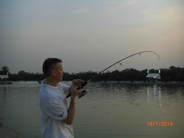 (18)_Fighting Mekong Catfish on 10lb tackle (19.07.14)