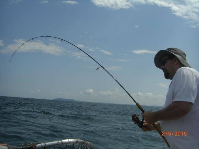 (14)_Ben fighting Queenfish (02.05.15)