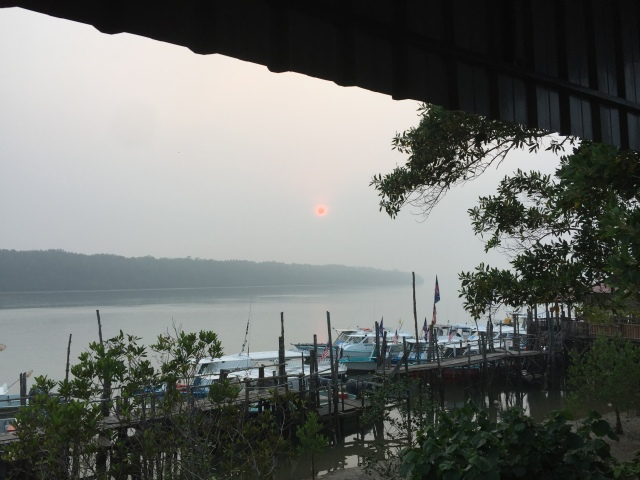 (1)_Rompin sunrise in the haze (17.10.15)
